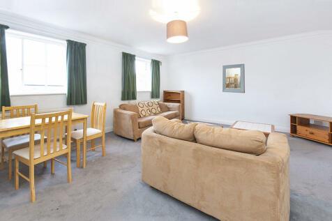 St Andrewgate, York, YO1. 1 bedroom apartment