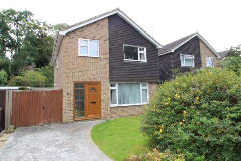 Tennyson Ave, Hitchin, SG4. 4 bedroom detached house