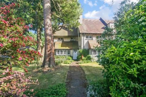 Upper Woodcote Village, Webb Estate, Purley, Surrey. 4 bedroom semi-detached house