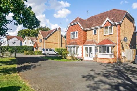 Cardinal Close, Sanderstead, South Croydon, Surrey. 4 bedroom detached house