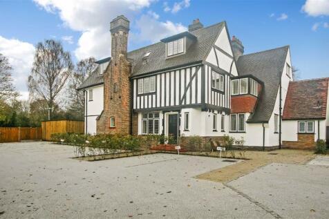 Hayes Lane, Kenley, Surrey. 2 bedroom apartment