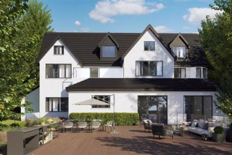West Hill, Sanderstead, South Croydon. 2 bedroom apartment