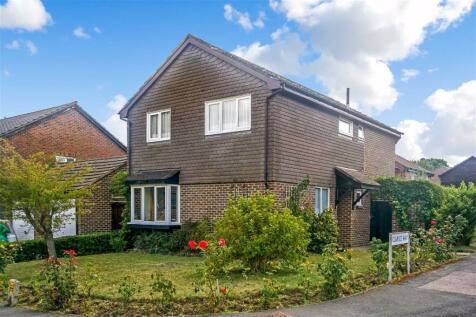 Clarice Way, South Wallington, Surrey. 4 bedroom detached house