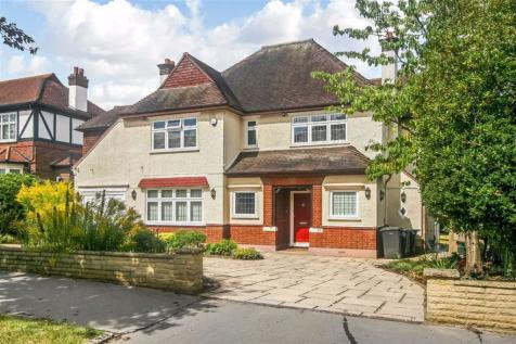Fitzjames Avenue, Whitgift Estate, East Croydon. 4 bedroom detached house