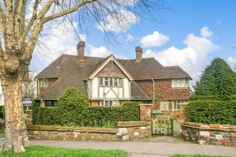 Mapledale Avenue, Whitgift Estate, East Croydon, Surrey. 4 bedroom detached house for sale