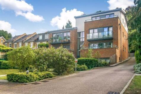 Valley Road, Kenley, Surrey. 1 bedroom apartment