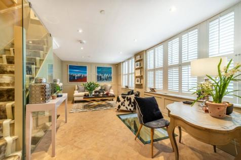 Addison Place, Notting Hill Gate, London, W11. 2 bedroom house