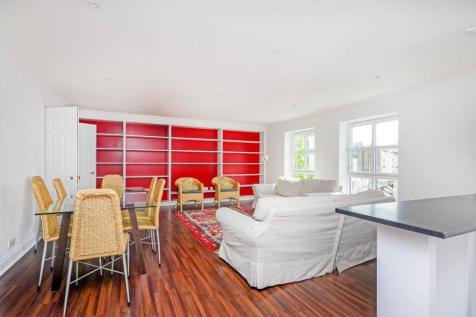 Gloucester Terrace, Bayswater, London, W2. 3 bedroom flat