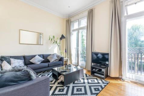 Ladbroke Grove, Ladbroke Grove, London, W11. 2 bedroom maisonette