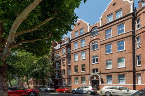 Digby Mansions, Hammersmith, London, W6. 1 bedroom flat