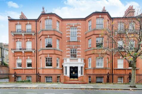 Charleville Road, Barons Court, London, W14. 2 bedroom flat