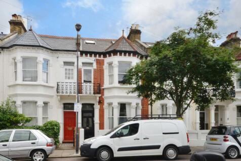 Winchendon Road, Fulham, London, SW6. 2 bedroom flat