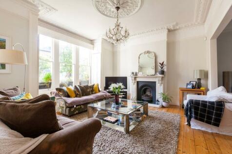 Finsbury Park Road, Islington, London, N4. 6 bedroom house
