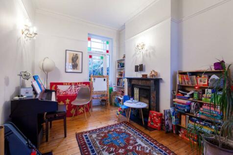 Melgund Road, Islington, London, N5. 4 bedroom house for sale