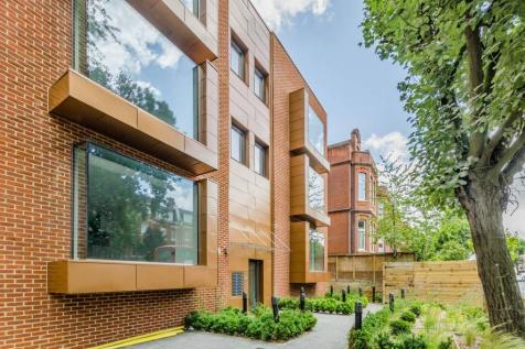 Finchley Road, Hampstead, London, NW3. 2 bedroom penthouse