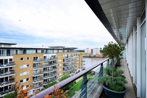 Smugglers Way, Wandsworth Town, London, SW18. 4 bedroom flat for sale