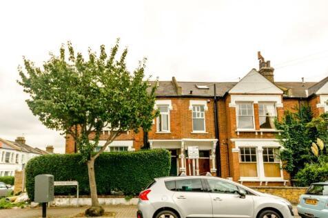 Cromford Road, Putney, London, SW18. 3 bedroom maisonette