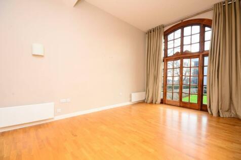 Scott Avenue, Putney, London, SW15. 2 bedroom flat