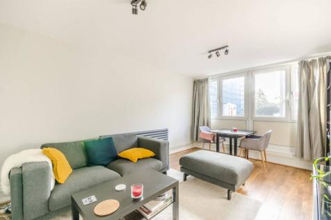 Fenner Square, Clapham Junction, London, SW11. 1 bedroom flat