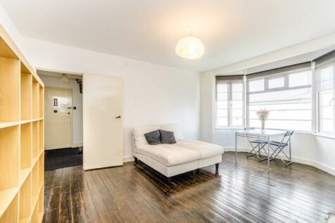 Uxbridge Road, Ealing Broadway, London, W5. 2 bedroom flat