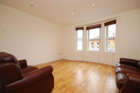 Kingston Road, South Wimbledon, London, SW19. 3 bedroom flat