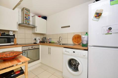 Rothesay Avenue, Raynes Park, London, SW20. 1 bedroom flat