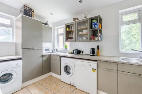St James Drive, Wandsworth Common, London, SW17. 5 bedroom semi-detached house