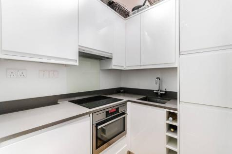 Balham High Road, Balham, London, SW12. 2 bedroom flat