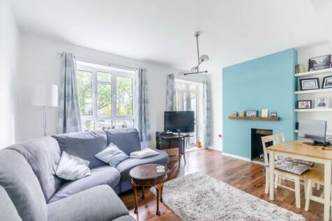 Weir Road, Balham, London, SW12. 2 bedroom flat