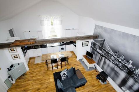 Kings Road, Shalford, Guildford, GU4. 2 bedroom detached house for sale