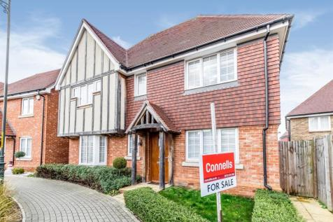 Beacon Avenue, Kings Hill, West Malling. 4 bedroom detached house for sale