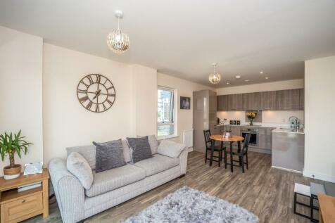 38 Admiralty Court, Ocean Drive, Gillingham, Gillingham. 2 bedroom apartment