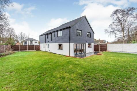 Maidstone Road, Gillingham. 6 bedroom detached house
