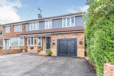 Bettescombe Road, Rainham, Gillingham. 6 bedroom semi-detached house
