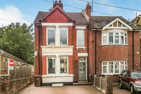 Nelson Road, Gillingham. 3 bedroom semi-detached house
