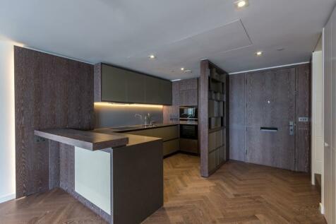 Circus Road, London, SW11. 3 bedroom duplex