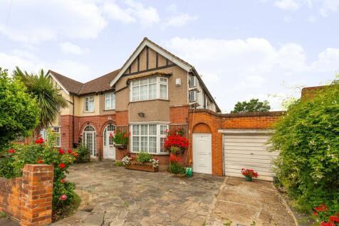 Lampton Park Road, Hounslow, TW3. 6 bedroom semi-detached house
