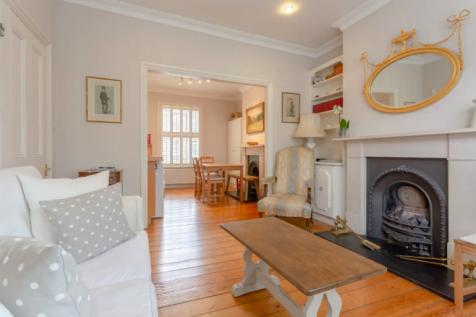 Brackenbury Road, London, W6. 2 bedroom apartment