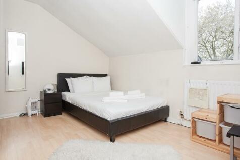 Porchester Square, W2. 2 bedroom apartment
