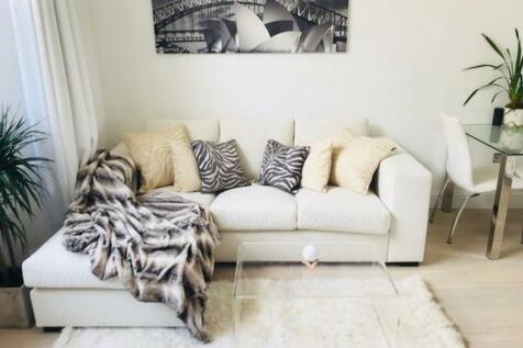 Gloucester Terrace, W2. 1 bedroom flat
