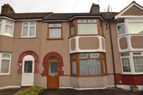 Rom Crescent, RM7. 3 bedroom terraced house