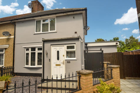 Standfield Road , RM10. 4 bedroom end of terrace house