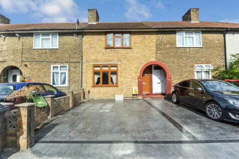 Lullington Road, Dagenham, Essex, RM9. 3 bedroom terraced house