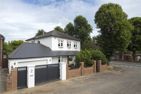 Orchard Rise, Coombe Hill, KT2. 4 bedroom detached house