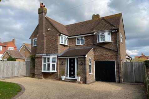 Links Road, Seaford, East Sussex, BN25. 4 bedroom detached house for sale
