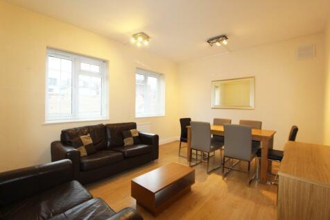 Brent Street, London, NW4. 2 bedroom ground floor flat