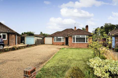Halfpenny Close, Chilworth. 2 bedroom detached bungalow