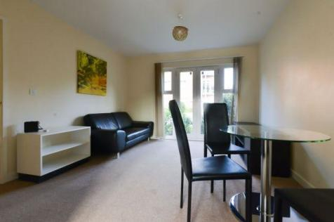 Flat , Caister Hall Conisborough Keep Stoke Coventry. 2 bedroom apartment