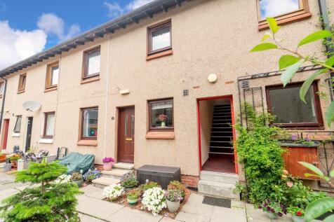 21B Bank Street, Falkirk, Stirlingshire, FK1 1NB. 2 bedroom flat