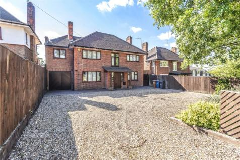Uxbridge Road, Harrow, Middlesex, HA3. 4 bedroom detached house